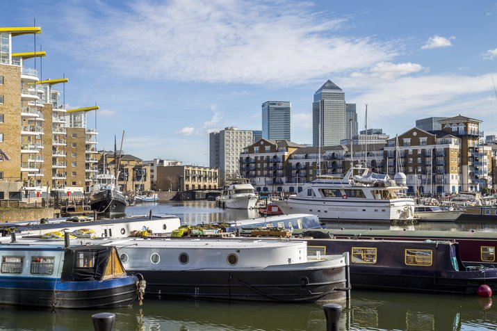 Boats and water at Royal Docklands in London