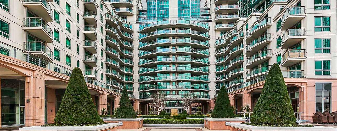 St George Wharf image